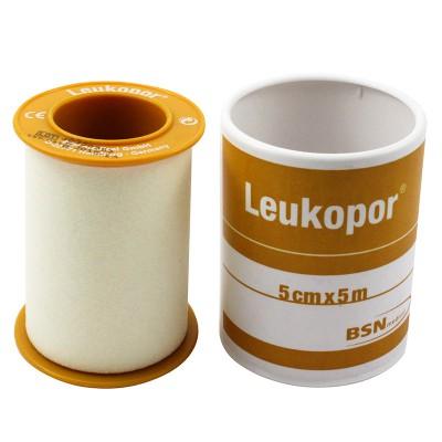 leukopor cerotto in rocchetto ipoallergenico, tessuto non tessuto, bianco.